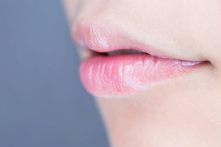 やっぱり気になる!「唇にできたホクロ」を取る方法ってあるの?